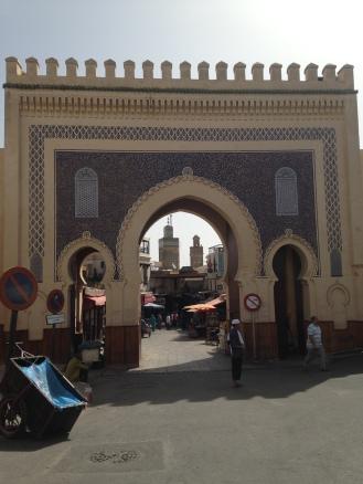 Entrada da Medina de Fez: azul de boas vindas